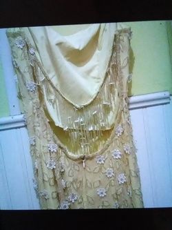 Je Matadi Yellow Size 2 Prom Straight Dress on Queenly