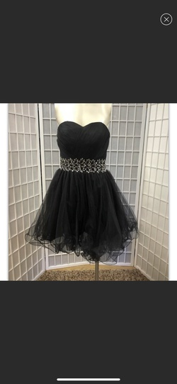 Queenly size 6 Daisy Black Ball gown evening gown/formal dress