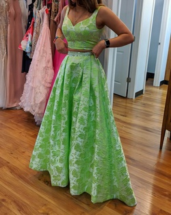 Queenly size 0 Sherri Hill Green A-line evening gown/formal dress
