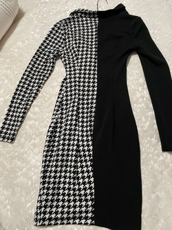 Black Size 00 Cocktail Dress on Queenly