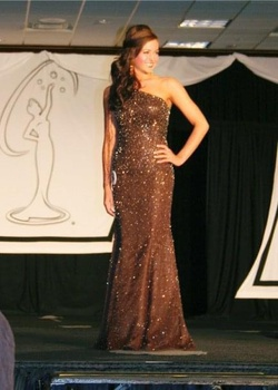 Queenly size 4  Nude Mermaid evening gown/formal dress