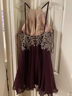 Style 1467X Xscape Red Size 4 Jewelled Sorority Formal Burgundy Cocktail Dress on Queenly