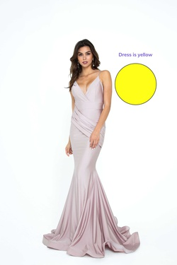 Style 6200H Atria Yellow Size 18 Plus Size Mermaid Dress on Queenly