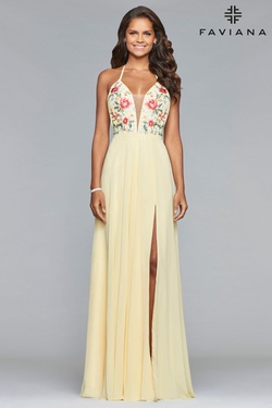 Style 10000 Faviana Yellow Size 2 Tulle V Neck Side slit Dress on Queenly