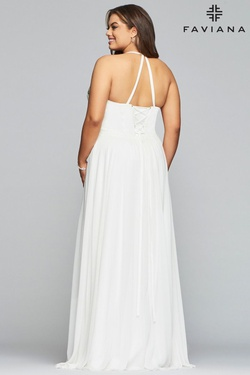 Style 9435 Faviana White Size 18 V Neck Plus Size A-line Dress on Queenly