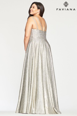 Style 9493 Faviana Silver Size 20 V Neck Flare A-line Dress on Queenly