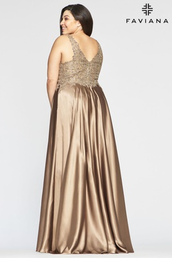 Style 9494 Faviana Gold Size 18 V Neck Side Slit A-line Dress on Queenly