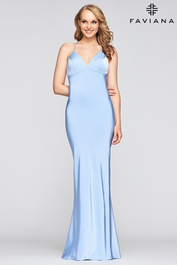 Queenly size 00 Faviana Blue Straight evening gown/formal dress