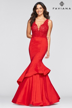 Queenly size 10 Faviana Red Mermaid evening gown/formal dress