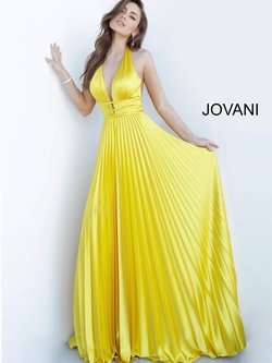 Queenly size 4 Jovani Yellow A-line evening gown/formal dress