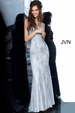Queenly size 00 Jovani Silver Straight evening gown/formal dress