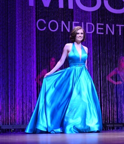 Sherri Hill Blue Size 2 Silk Train Dress on Queenly