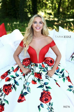 Style 50276 Tarik Ediz Red Size 6 Prom Floral Tall Height Ball gown on Queenly