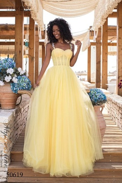 Style 50619 Tarik Ediz Yellow Size 6 Tulle Ball gown on Queenly