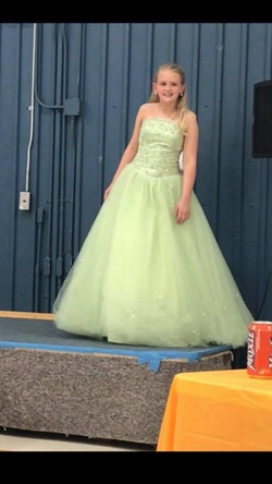 Queenly size 0  Green Ball gown evening gown/formal dress