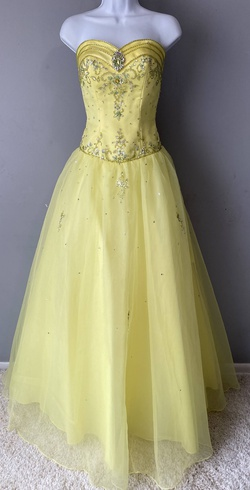 Queenly size 2 Alyce Design Yellow Ball gown evening gown/formal dress