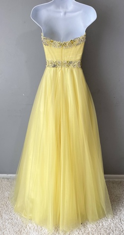 Sherri Hill Yellow Size 6 Sweetheart Ball gown on Queenly