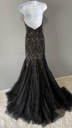 Mac Duggal Black Size 6 Nude Train Mermaid Dress on Queenly