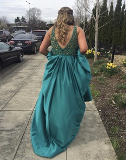 Vienna Green Size 10 Plunge Backless Ball gown on Queenly