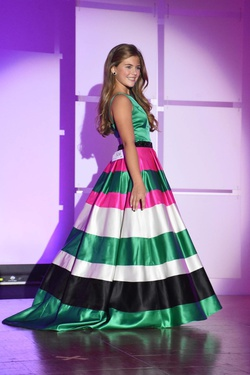 Queenly size 0  Multicolor Train evening gown/formal dress