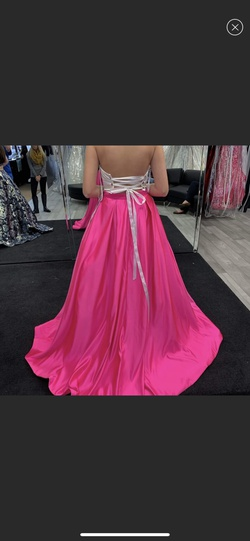 Jovani Pink Size 6 Prom Ball gown on Queenly