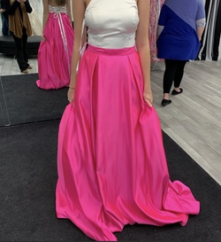 Queenly size 6 Jovani Pink Ball gown evening gown/formal dress
