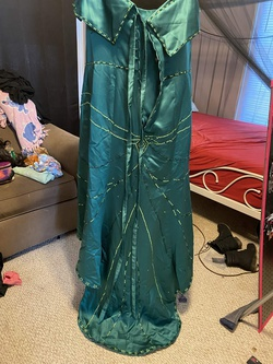 Green Size 18 Train Dress on Queenly