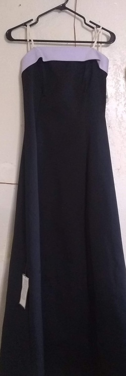 Urban Girl Nites  Black Size 10 Ball gown on Queenly