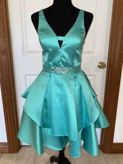 Queenly size 2 Navianna Green Cocktail evening gown/formal dress
