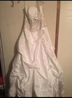 Queenly size 12 Davids Bridal White Train evening gown/formal dress