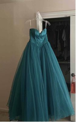 Queenly size 00 Sherri Hill Green Ball gown evening gown/formal dress