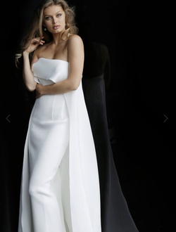 Queenly size 2 Jovani White Straight evening gown/formal dress