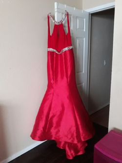 Jovani Red Size 8 Mermaid Dress on Queenly