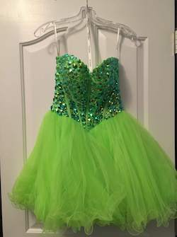 Queenly size 0 Sherri Hill Green Cocktail evening gown/formal dress