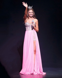 Queenly size 0 Sherri Hill Pink Jumpsuit evening gown/formal dress