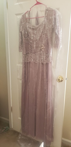 CACHET Nude Size 12 Straight Dress on Queenly