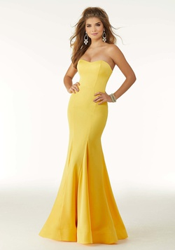 Queenly size 8 Mori Lee Yellow Mermaid evening gown/formal dress