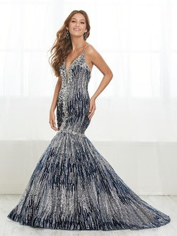 Style 16408 Tiffany Designs Silver Size 20 Plus Size Plunge Mermaid Dress on Queenly