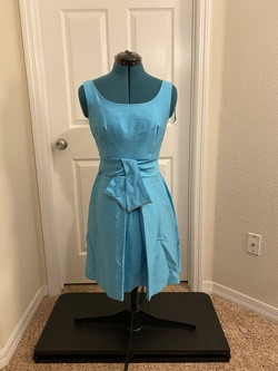 Vintage Blue Size 6 Fun Fashion Cocktail Dress on Queenly