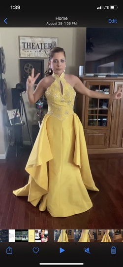 Queenly size 4 Stephen Yearick Yellow Mermaid evening gown/formal dress