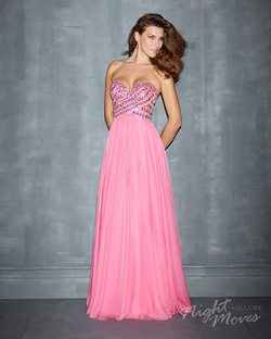 Style 7006 Madison James Pink Size 4 Prom A-line Dress on Queenly