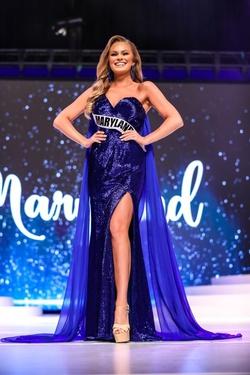 Queenly size 4 Ashley Lauren Blue Side slit evening gown/formal dress