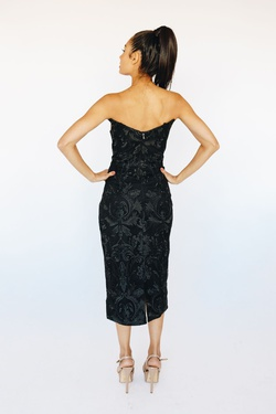 Style B38D21 Bariano Black Size 10 Fun Fashion Fitted Cocktail Dress on Queenly