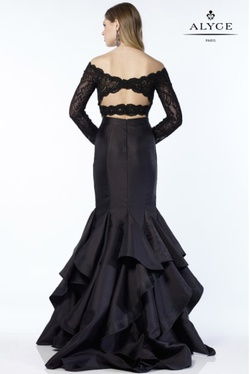 Style 6754 Alyce Paris Black Size 4 Sleeves Tall Height Lace Mermaid Dress on Queenly