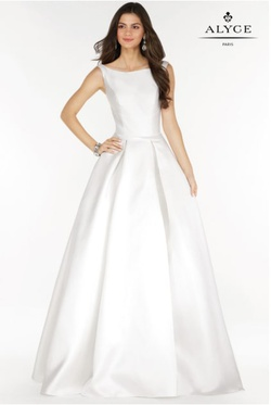 Style 6790 Alyce Paris White Size 14 Boat Neck Tall Height A-line Dress on Queenly