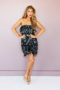 Style 53926 Kiki Riki Black Size 6 Feather Homecoming Cocktail Dress on Queenly