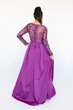 Style VL1665 Mia Paluzzi Purple Size 10 Plunge Prom Long Sleeve Ball gown on Queenly