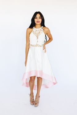 Style D16536 White Size 10 Cocktail Dress on Queenly