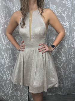Style 53027 Sherri Hill Silver Size 4 Sorority Formal Wedding Guest Cocktail Dress on Queenly