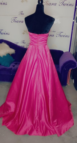 Cinderella Divine Pink Size 4 Ball gown on Queenly